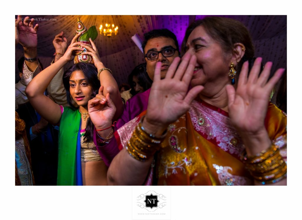 indian wedding ceremony by nik thakar photography